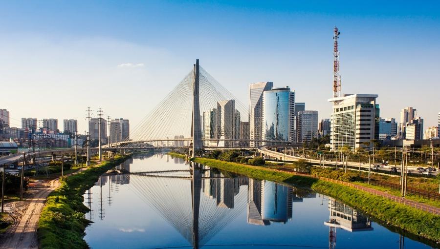 Foto da cidade de São Paulo, excelente destino turístico e ótimo para viajar de ônibus.